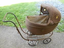 Childs Doll Carriage withPictured Shirley Temple Medallions/PICKUP ONLY