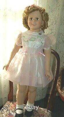 Shirley Temple 35 By Danbury Mint all Original in Beautiful Condition
