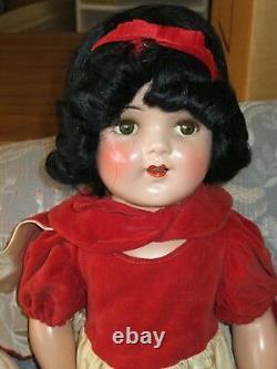 Snow White (Ideal 22 Shirley Temple) & Seven Dwarf (Knickerbocker 14) Doll Set